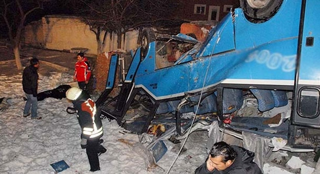 Feci kazada 11 öğrenci hayatını kaybetti