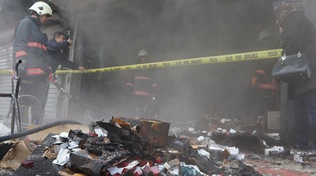 Kuyumcu dükkanı yandı