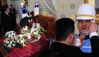 Atatürk İçin Dolmabahçe'de Hüzünlü Anma