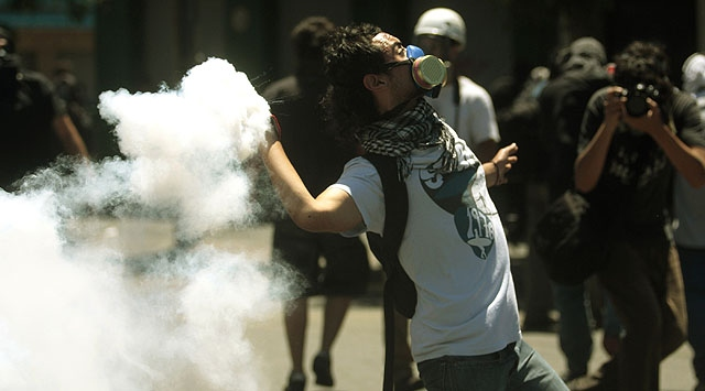 Şilide Öğrenciler Sokaklarda