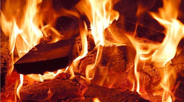 Ahşap Evdeki Yangın 2 Can Aldı