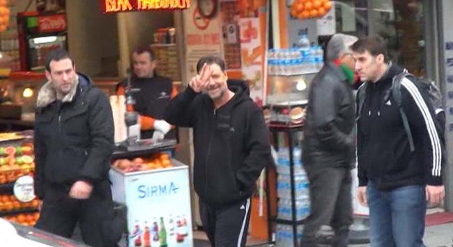 Russell Crowe ve Cem Yılmaz hamamda