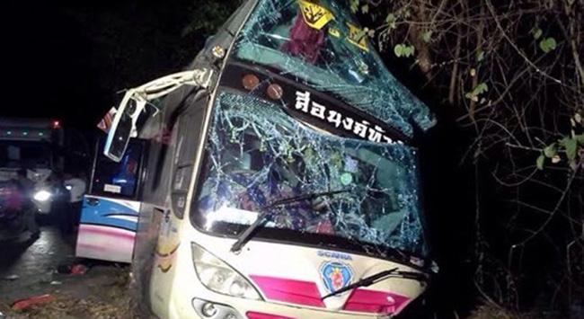 Taylandda feci kaza: 13 ölü