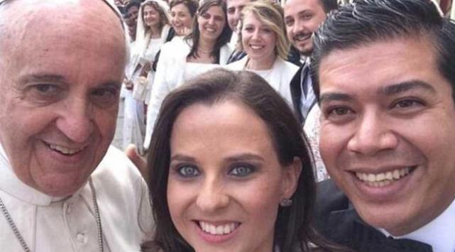 Selfie modasına Papa da uydu