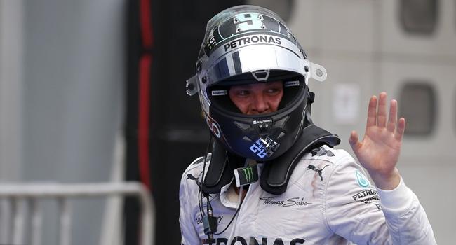 Mercedes Rosbergin sözleşmesini yeniledi