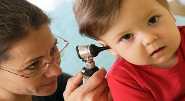 Çocuklarda kulak enfeksiyonuna dikkat!