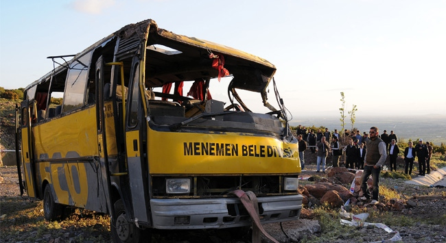 İzmirde bir midibüs şarampole yuvarlandı
