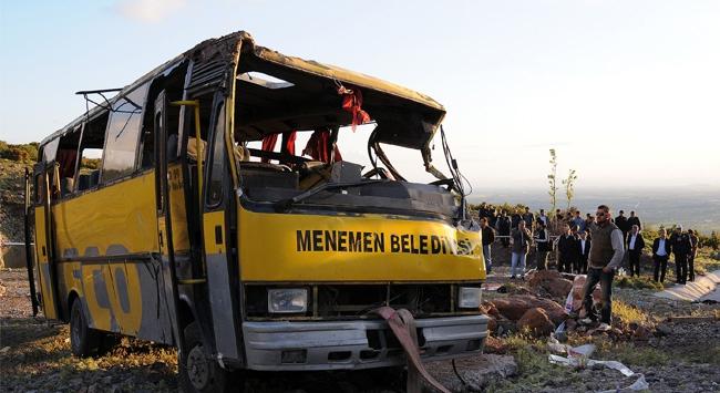 İzmir'de bir midibüs şarampole yuvarlandı