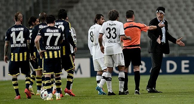 Beşiktaş iki fırsatı birden tepti!