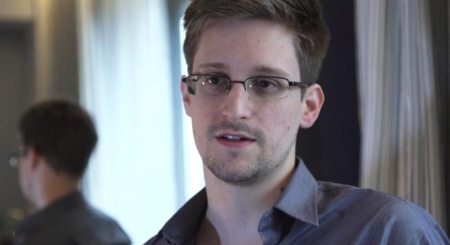 Eski CIA Ajanı Edward Snowden Rus vatandaşı oluyor
