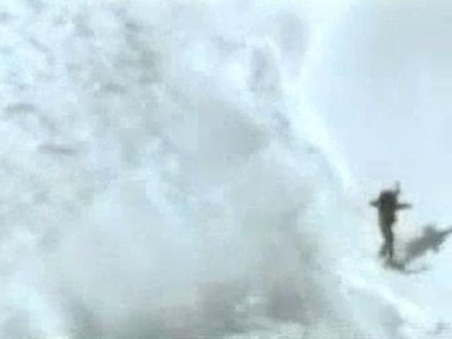 Snowboardçu Çığdan Böyle Kurtuldu