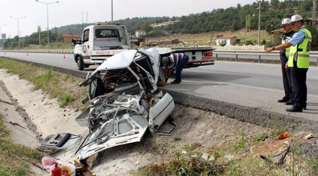 Kütahyada trafik kazası: 1 ölü, 3 yaralı