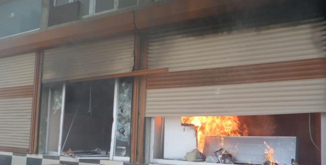 DEDAŞ binası ateşe verildi