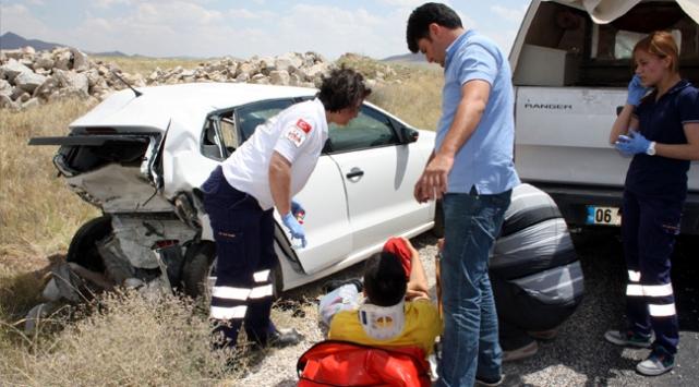 Eskişehirde iki otomobil çarpıştı: 4 ölü, 4 yaralı