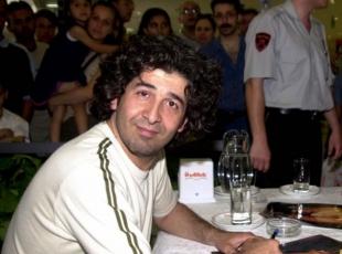 Sanatçı Murat Göğebakan vefat etti