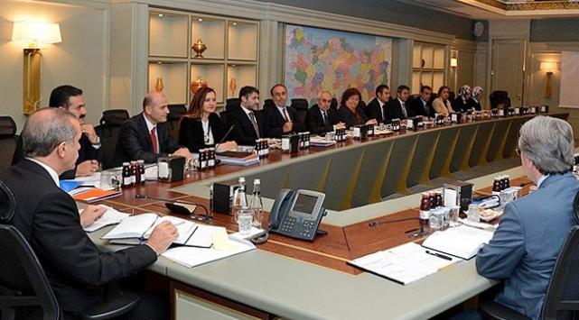 AK Parti MKYK yol haritası için toplandı