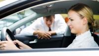 Hız Yapan Kadın Sürücüye 1000 Avro Ceza