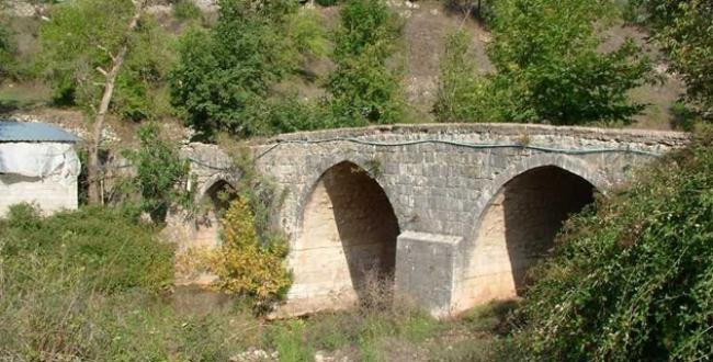 Bin yıllık köprüye ilk restorasyon