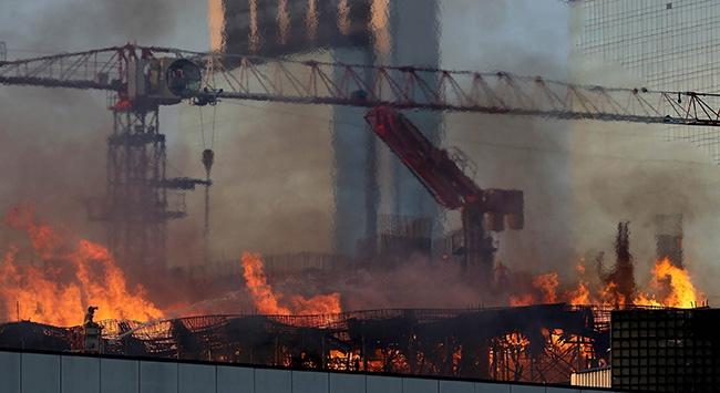 İzmirde alışveriş merkezinde yangın