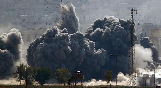 Esedin askerleri havaalanını boşaltıyor