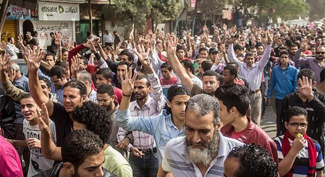 Gösterilerde 2 öğrenci öldü