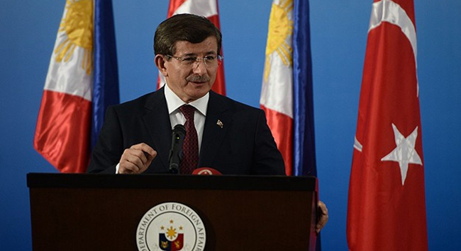 Davutoğlu, Filipinlerde konferans verdi