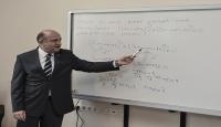 Bakan Işıktan öğrencilere matematik dersi