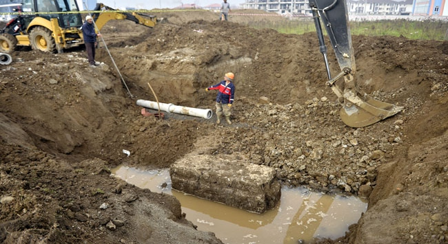 Kanalizasyon kazısından Romalılardan kalma lahit