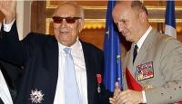 Yaşar Kemal'e Fransız Onur Nişanı