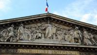 Fransa'da İktidar Partisinde Tasarı Çatlağı