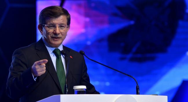 Başbakan Davutoğlu Yunanistana gitti