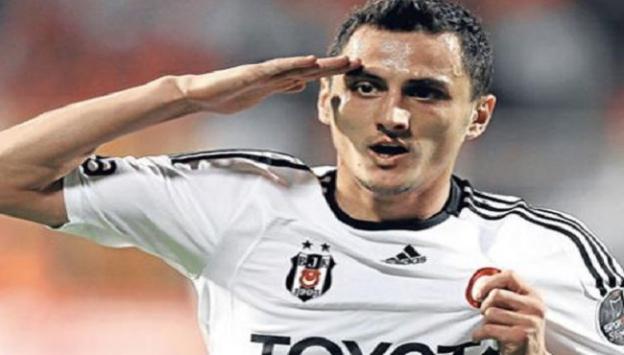 Beşiktaşlı Mustafa Pektemek ameliyat edildi