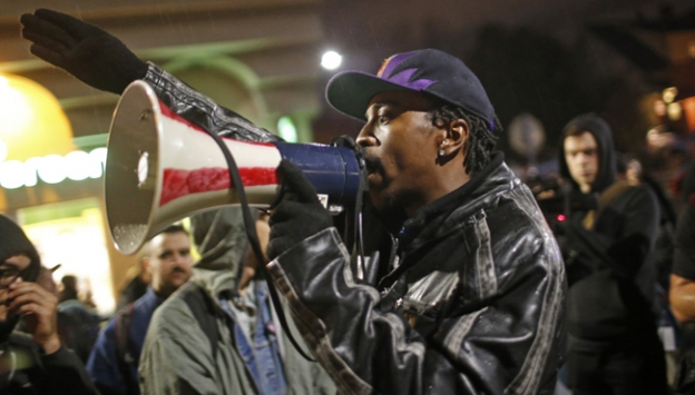 ABDde polis şiddetine protestolar sürüyor