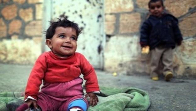 Suriyeye 4 bin 500 tır yardım