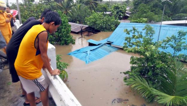 Tropikal fırtına 31 can aldı