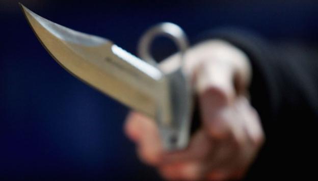Fransada bıçaklı saldırı: 2 ölü
