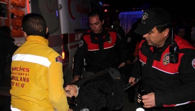 Kayseride askeri ambulans otomobille çarpıştı