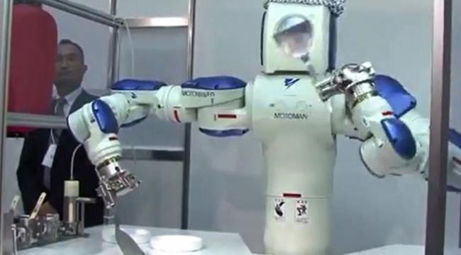 Ev hanımı gibi robot!