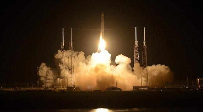 Dragon uzay aracı UUİye ulaştı