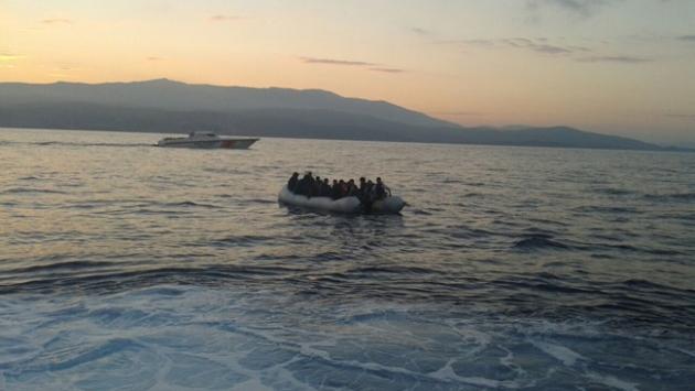 Edirnede teknede 127 sığınmacı yakalandı