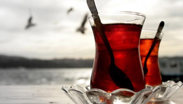 Dünyanın çayını koklayarak içiyorlar