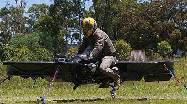 """Uçan Motorsiklet"" Semalarda!"