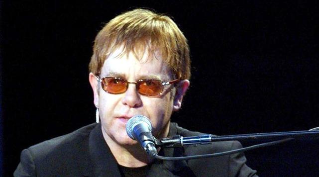 Elton John Kitap Yazıyor