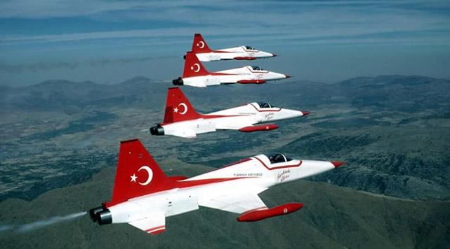 Türkiyenin gururu Türk Yıldızları
