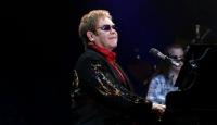 Elton John Büyüledi