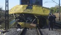 Tren Yolcu Otobüsüne Çarptı: 31 Ölü
