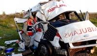 Ambulans Şarampole Yuvarlandı: 2 Ölü