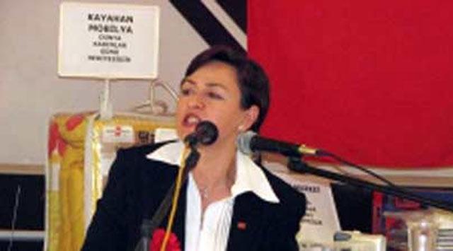 CHP Kadın Kolları Başkanı Görevinden Alındı