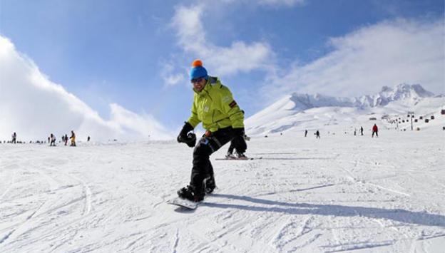Erciyeste kar kalınlığı 3 metreyi geçti
