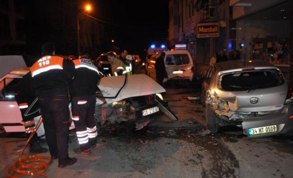 İzmirde trafik kazası: 3 yaralı